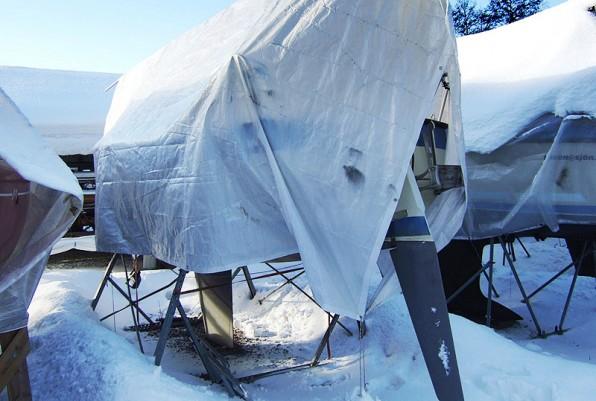 En Monark 700 Miniton på varvet över vintern